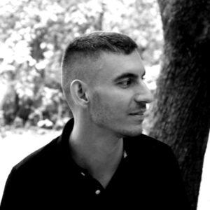 Yannis Nikolopoulos
